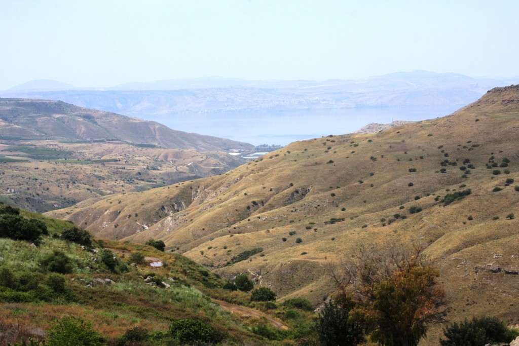 spectacular-view-from-umm-el-kanatir-kinneret-in-distance-7208