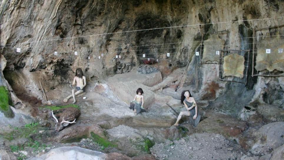 camel-cave-965x543