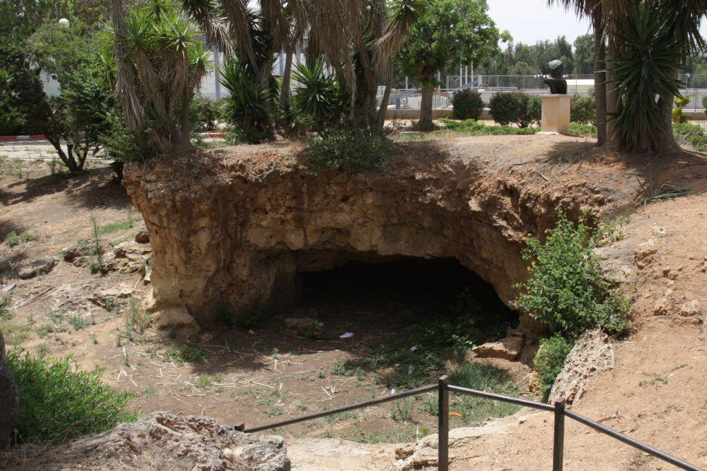 mikve-neter-cave-7922