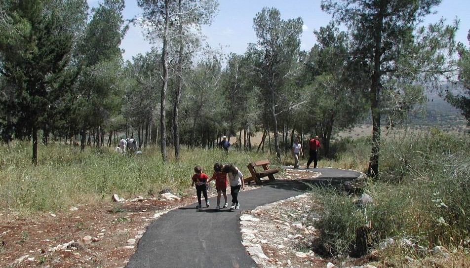 beit-keshet-wheelchair-accessible-trail-digital-e1428571115372-952x543