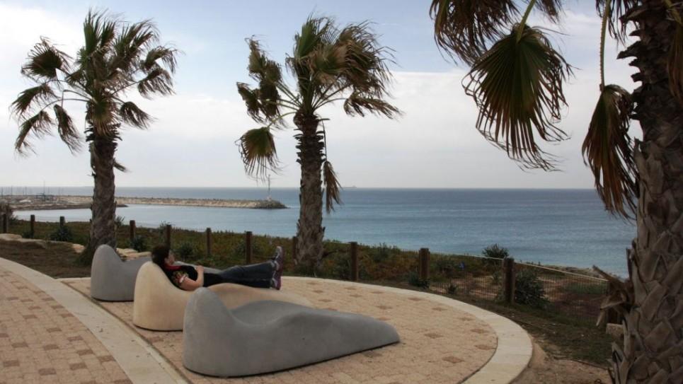 ashkelon-promenade-512-965x543