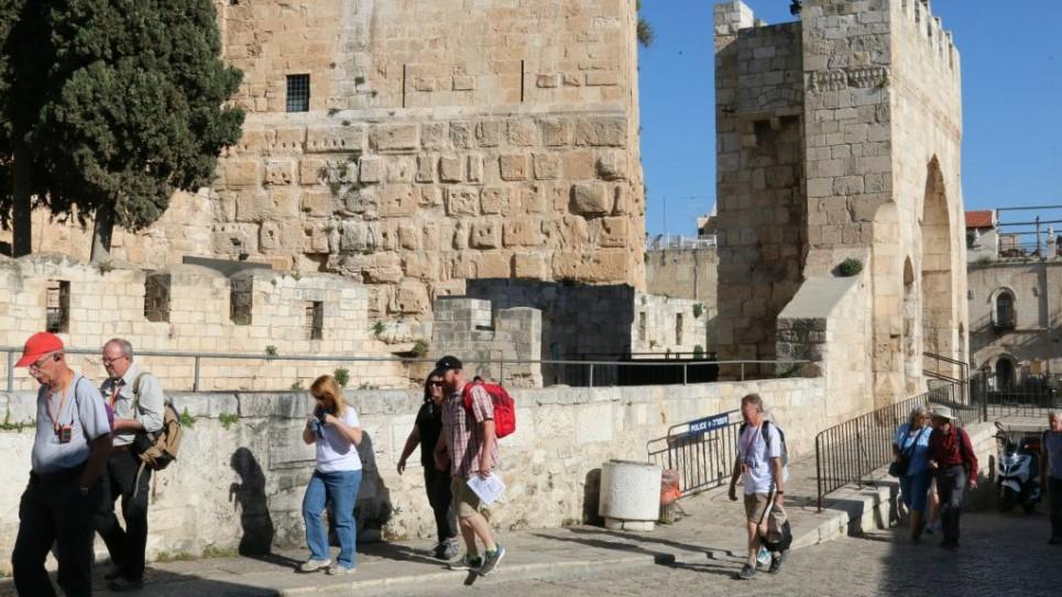 inside-jaffa-gate-by-citadel-7104-965x543
